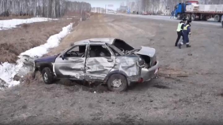 Погоня за подростком на «Ладе» и грузовик, сгоревший на тюменской трассе: дорожные видео недели