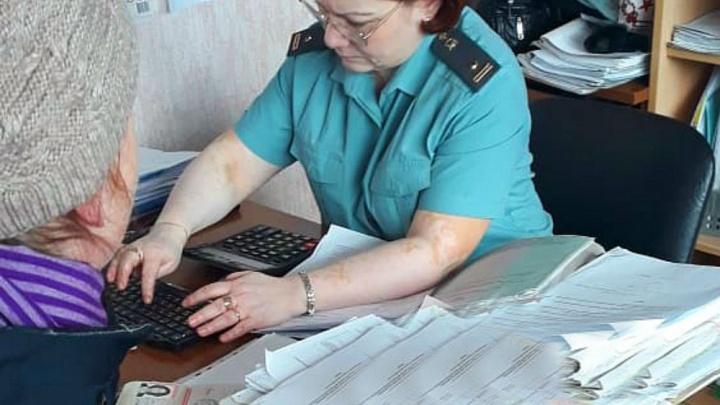 Ярославну, которая не выплачивала алименты своим детям, заставили работать на государство