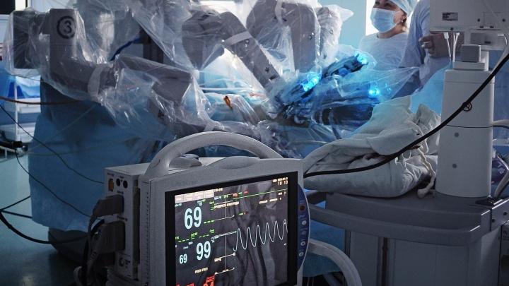 Робот сшил тюменцу новый мочевой пузырь из его же кишечника
