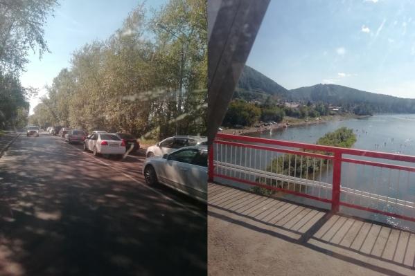 Пробка начинается от спуска с Николаевского моста и тянется по трассе