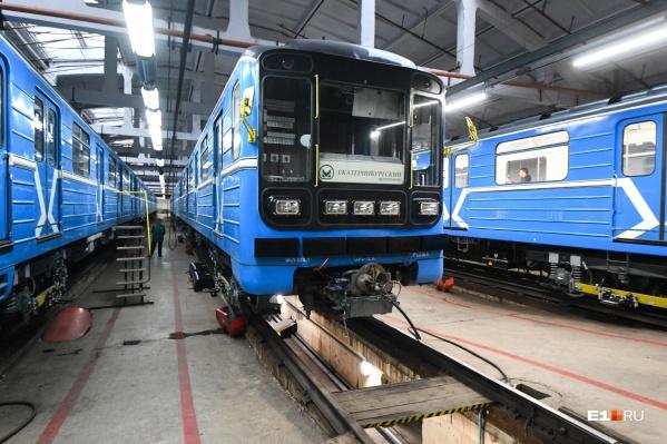 Два состава модернизировали на вагоноремонтном заводе в Санкт-Петербурге