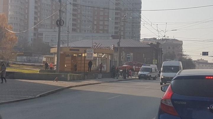 На перекрёсток Малышева и Московской из-за оставленной в трамвае сумки направили скорую и спасателей