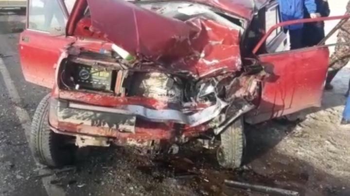 В столкновении отечественной «семерки» с Chevrolet Niva в Башкирии погиб 61-летний мужчина