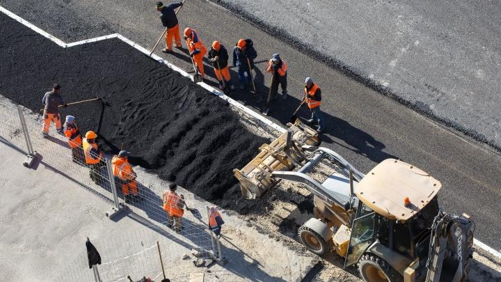 Под Волгоградом 20 машин перекрыли дорогу из-за ремонта федеральной трассы М-6