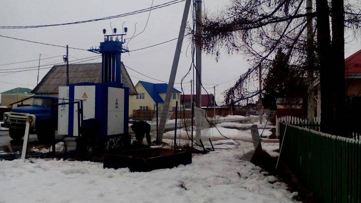 Жительница Червишево грозит судом энергетикам, которые установили возле ее дома новую подстанцию