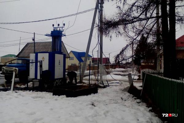 Новую электроустановку поставили рядом с домом, построенным в 1968 году