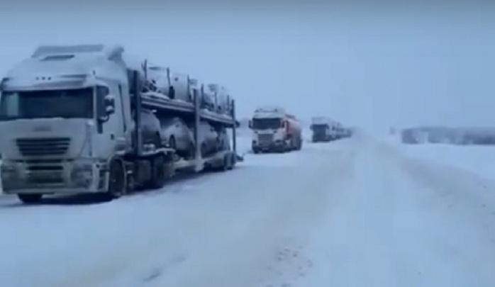 Дорожники: движение фур по трассе в Волгоградской области восстановили