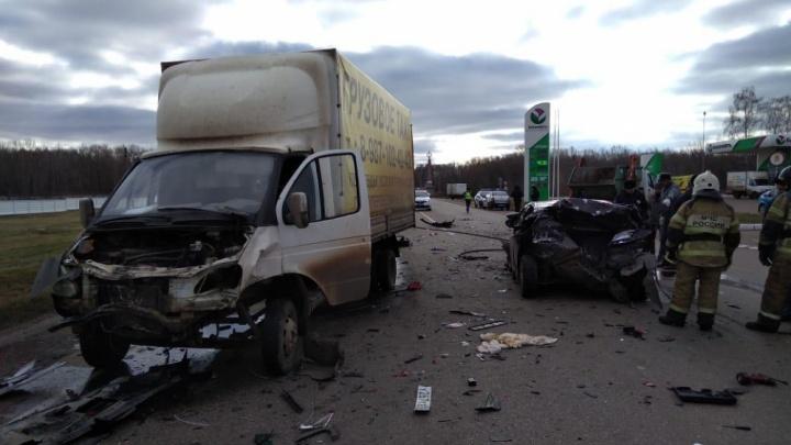 Машины разбились всмятку: в Башкирии произошло страшное ДТП