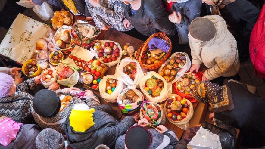 В субботу архангелогородцам предложат освятить куличи, яйца и пасхи к празднику в храмах города