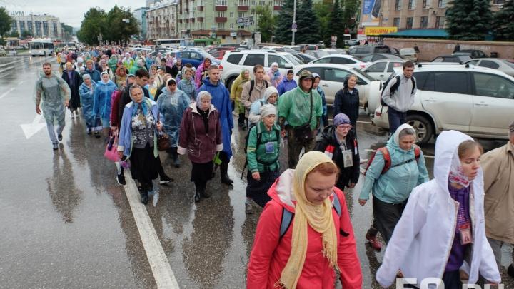 Во время крестного хода в двух районах Перми перекроют движение. Карта