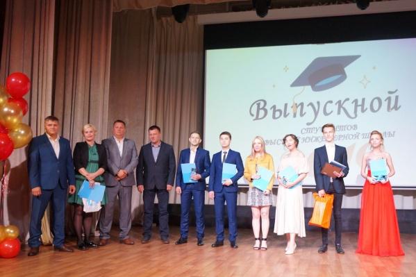 Десять выпускников Высшей инженерной школы закончили обучение с красным дипломом