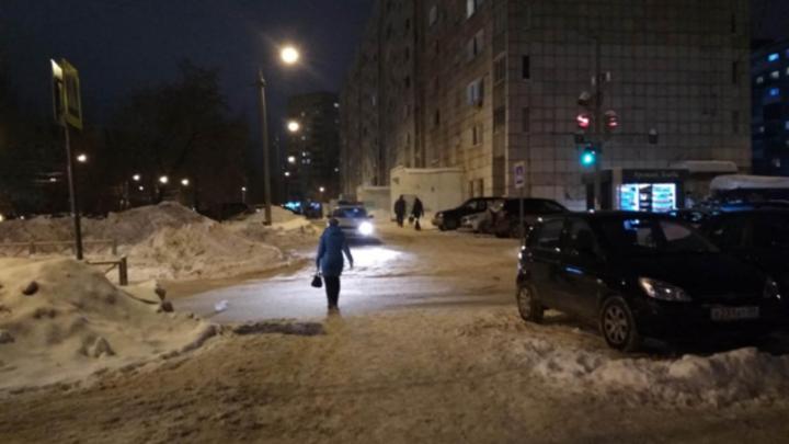 Полиция Перми нашла водителя, который сбил 88-летнюю пенсионерку на тротуаре и скрылся
