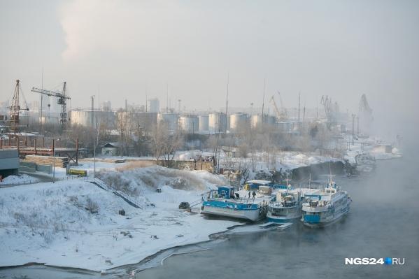 Нефтебаза занимает 200 тысяч кв. м около Октябрьского моста