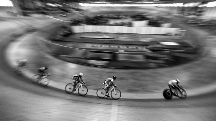 Чемпионами не рождаются: как спортсмены побеждают самих себя на омском велотреке