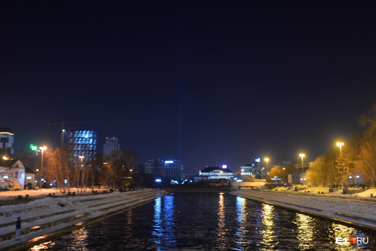 Безбашенный день на E1.RU: над Екатеринбургом появился призрак снесённой год назад телевышки
