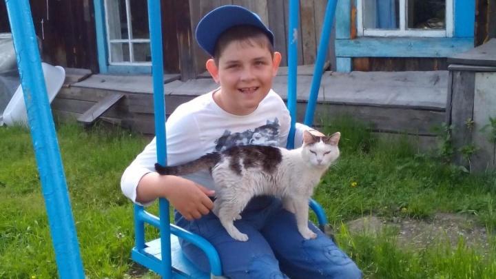 Мальчик с ДЦП пишет книги о животных и жертвует деньги на благотворительность
