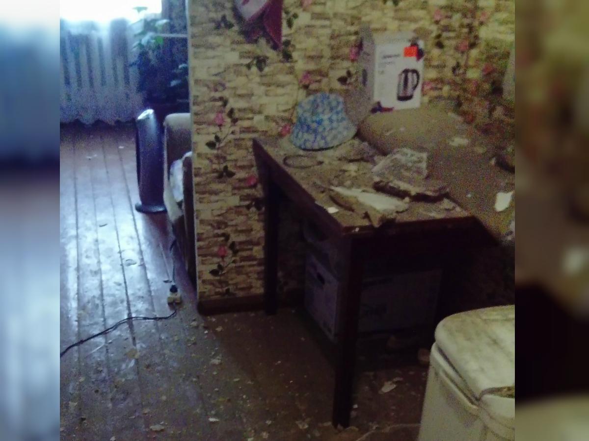 Из-за сильных подземных толчков в домах южноуральцев пошли трещины и посыпалась штукатурка