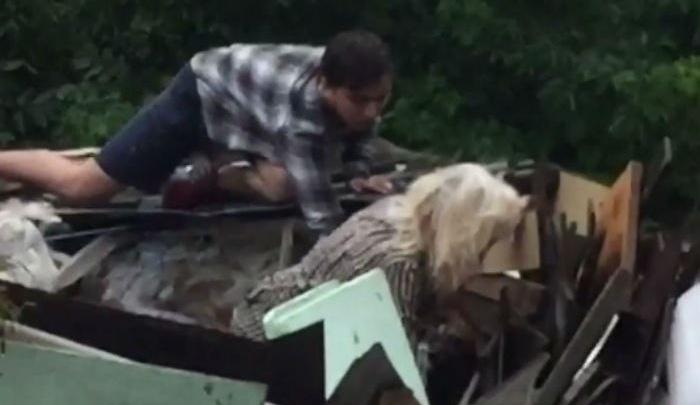 В Уфе 20-летний парень спас тонущую в потопе бабушку