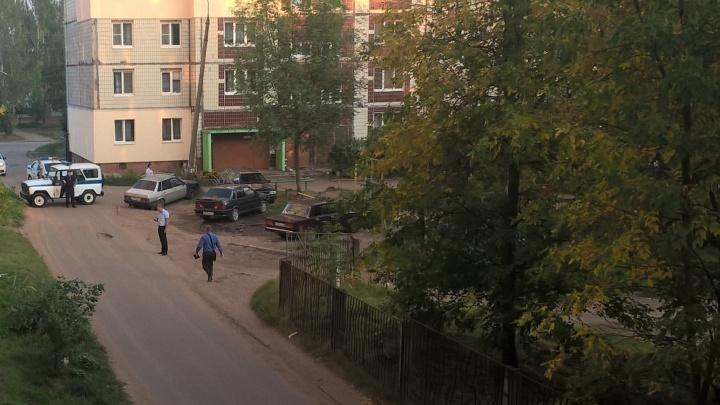 ЧП в Ярославской области: из-за мужчины с гранатой эвакуировали жилой дом и художественную школу
