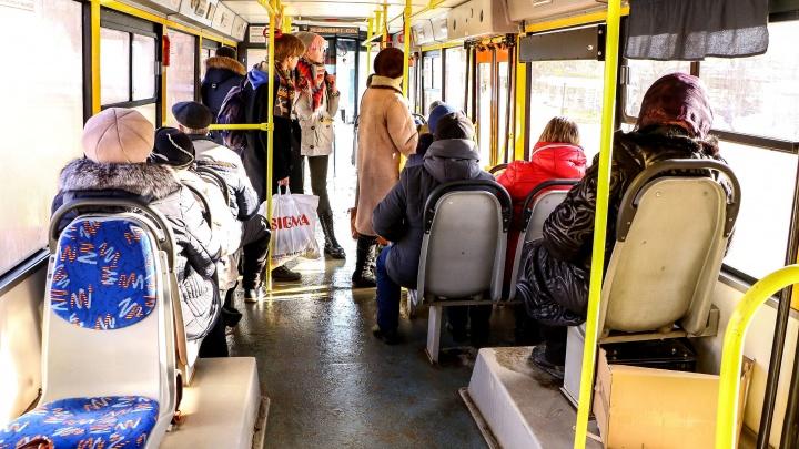 «Обычно выплачивают 30 тысяч морального ущерба»: что делать, если упал в автобусе по вине водителя