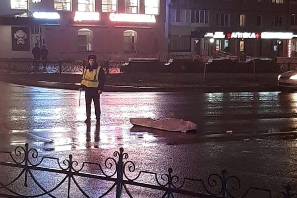 Водитель за рулем автомобиля «Лада-Калина» насмерть сбил местного жителя и скрылся