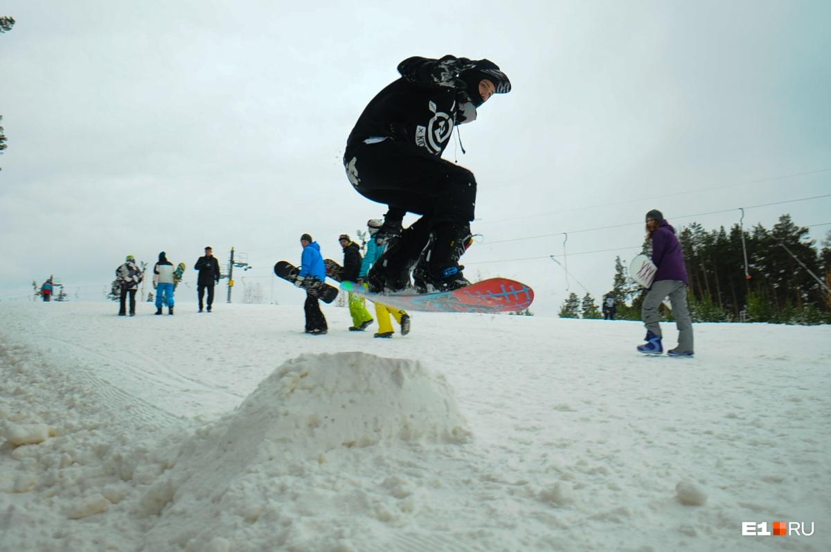 В прошлом году «Уктус» открылся в конце октября, но в этом сезоне со снегом не повезло