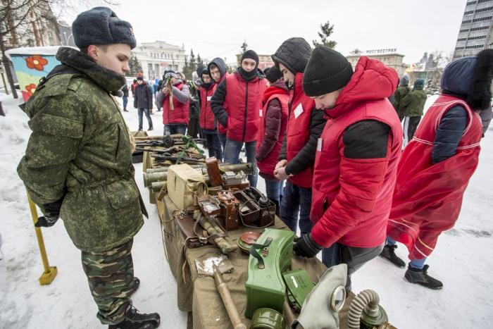 В наборы войдут диски про Крым, Арктику и войны, а также портрет президента России