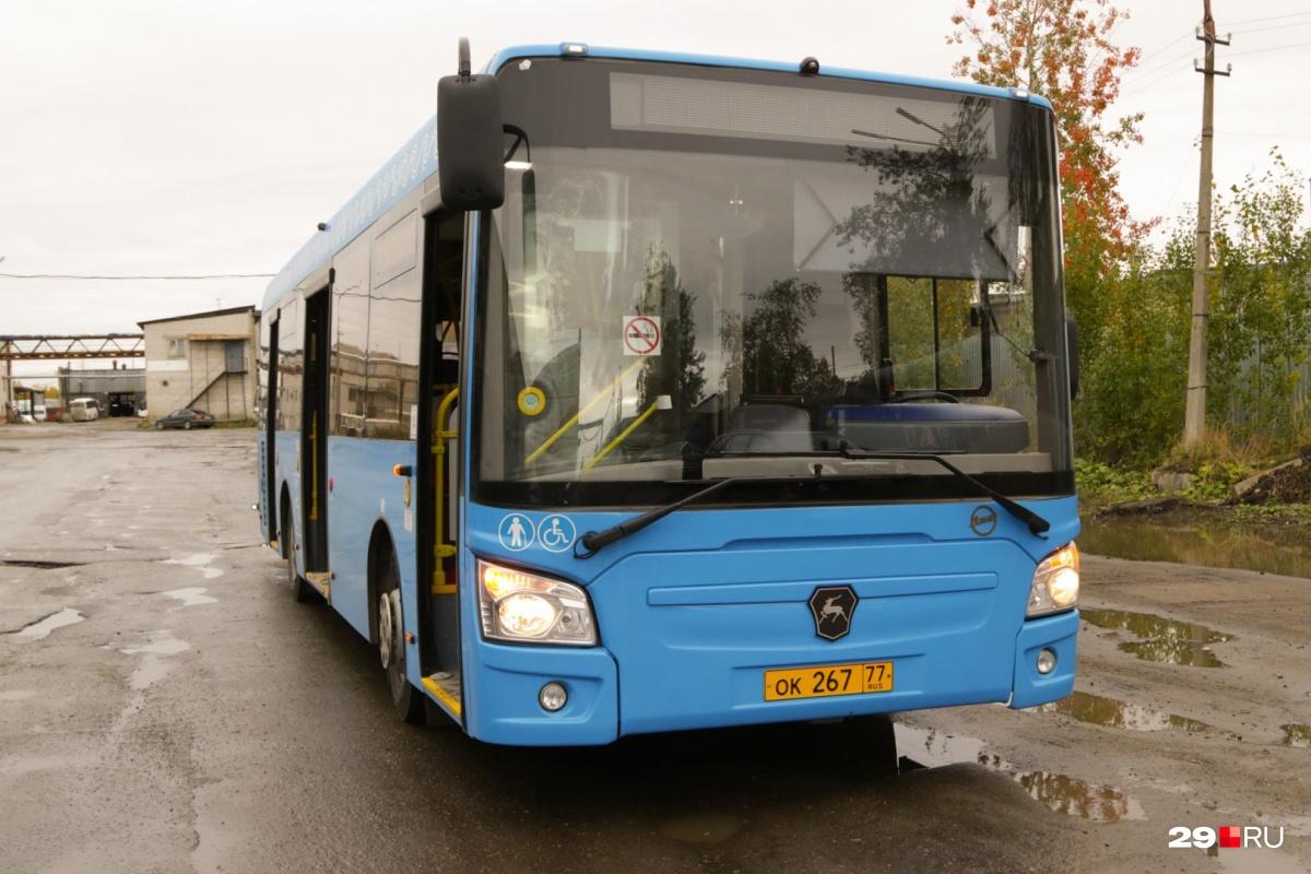 До передачи Архангельску автобусы два месяца ездили по Москве