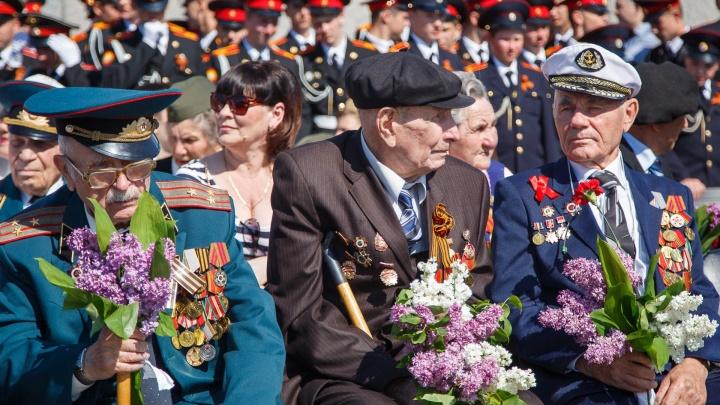 Волгоградские ветераны получат 13 000 рублей ко Дню Победы