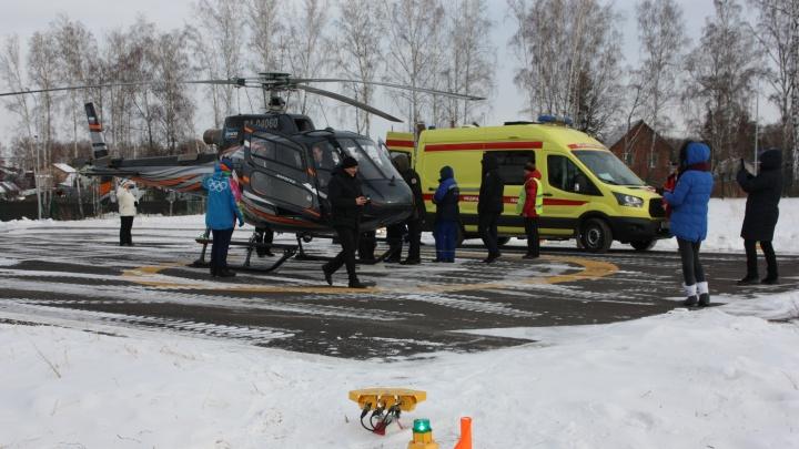 «Успеваем за 6 минут»: медики протестировали вертолетные площадки на «Сопке» и «Бобровом логу»