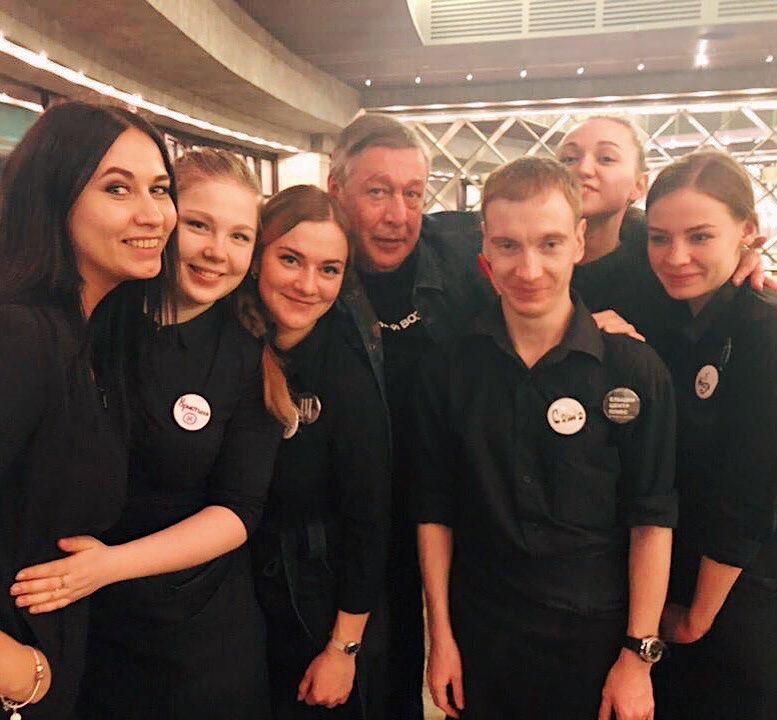 А это Михаил Ефремов