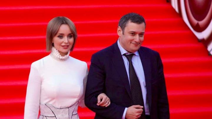 Депутат Хинштейн показал красавицу-жену