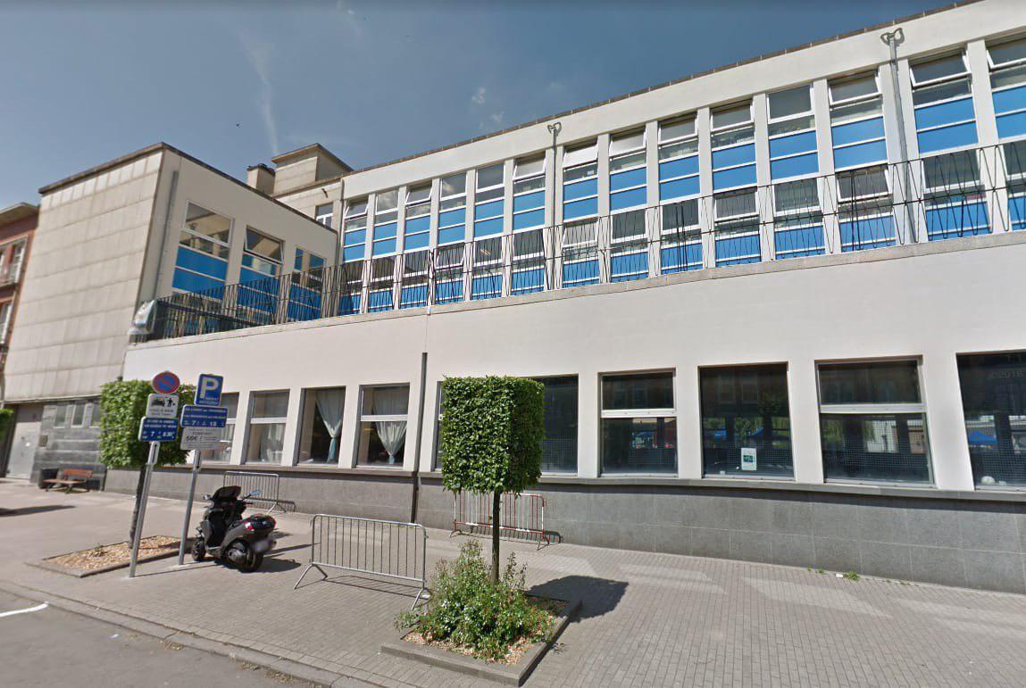 Здание школы в Бельгии