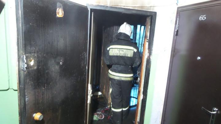 Во время пожара в квартире на ЖБИ погибла пожилая женщина