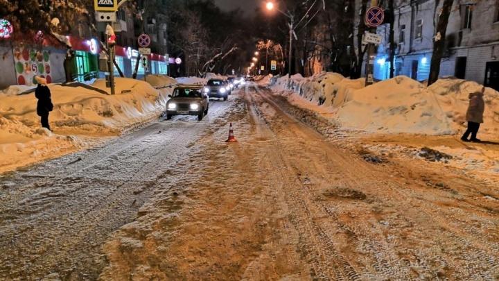 Сбил мужчину и уехал: полиция ищет водителя, скрывшегося с места ДТП на Свободе — Средне-Садовой