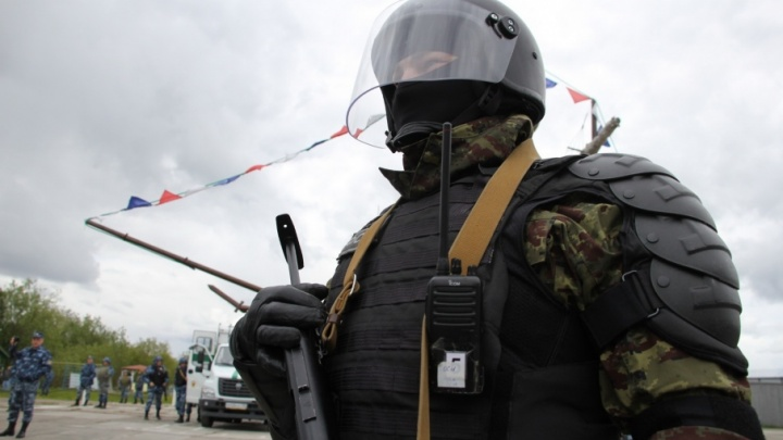 «Разгромили магазин и клуб»: в колонии на Пирсах ликвидировали массовые беспорядки
