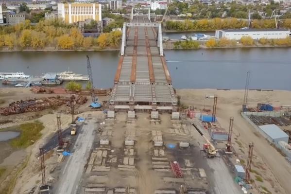 Мост обещают достроить в 2019 году