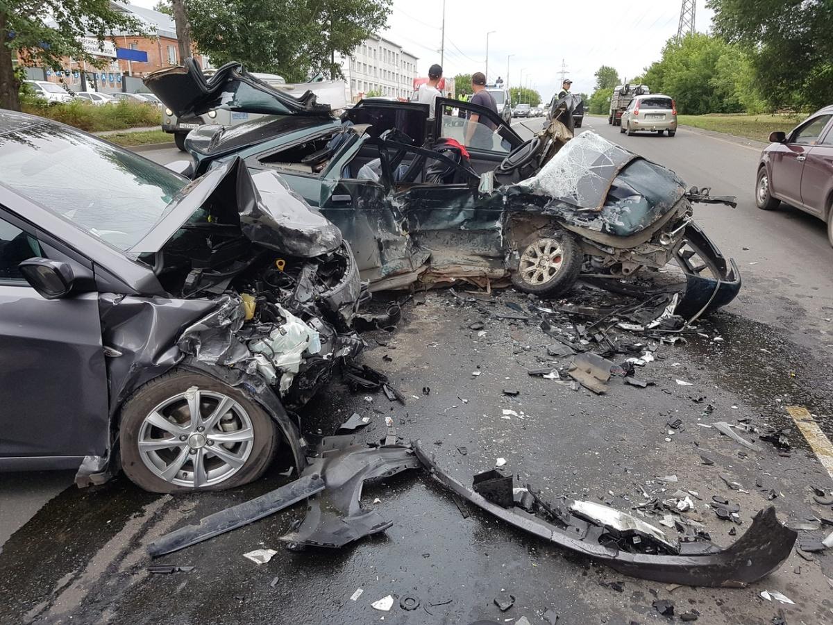 У «Корвета» столкнулись ВАЗ и Hyundai