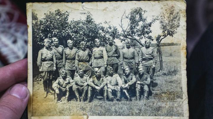 Омич нашёл немецкую фотографию 1945 года: теперь он ищет советских солдат, которые на ней изображены