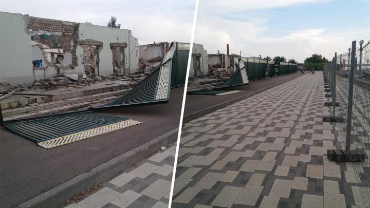 Больше года валяются: с территории речного вокзала пообещали убрать руины снесенного здания