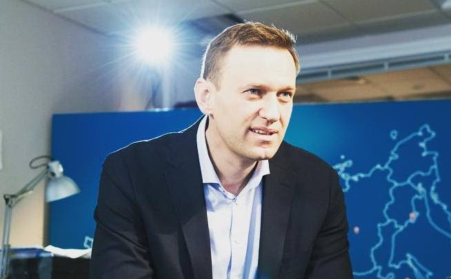 Школьница из Зеленогорска спросила в прямом эфире у Навального про войну с Англией
