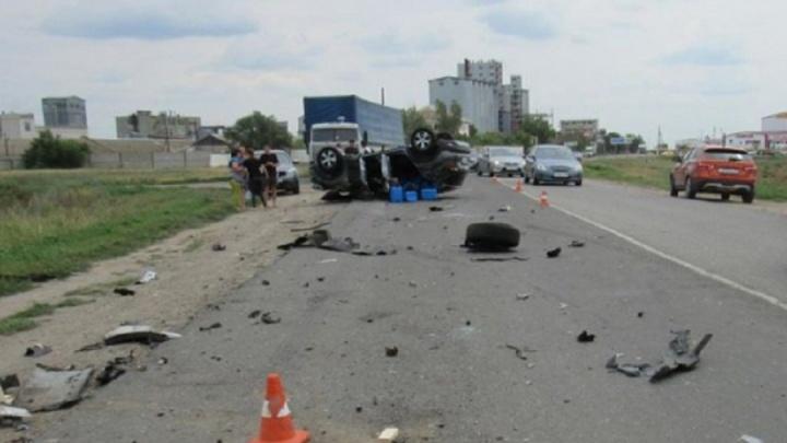 Под Волгоградом Renault Kaptur столкнулся сNiva Chevrolet: астраханец с ребёнком в больнице