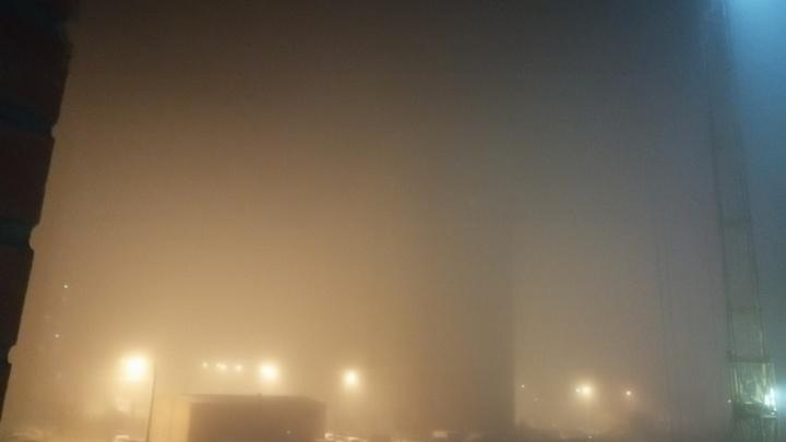 Красноярцы делятся фотографиями едкого тумана