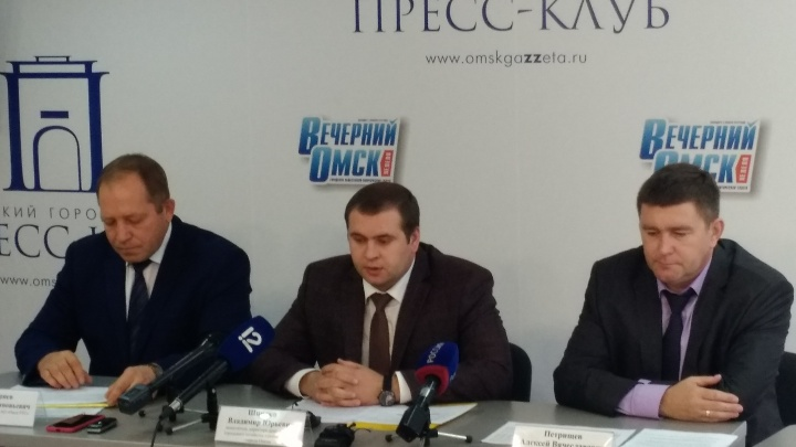 В мэрии объяснили, почему на улице Завертяева полтора месяца нет горячей воды