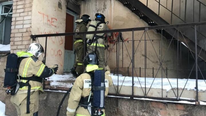 В Башкирии в пожаре погиб мужчина, еще одного человека удалось спасти