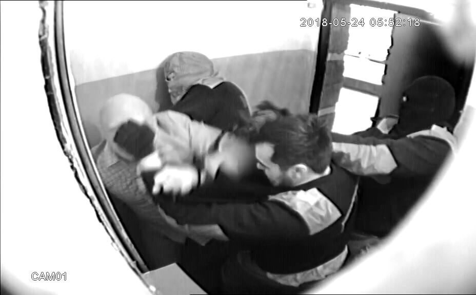 Убийство бизнесмена попало на камеры видеонаблюдения в подъезде