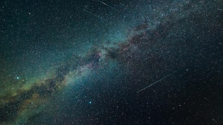 На следующей неделе в небе над Екатеринбургом можно будет увидеть метеорный поток Дракониды
