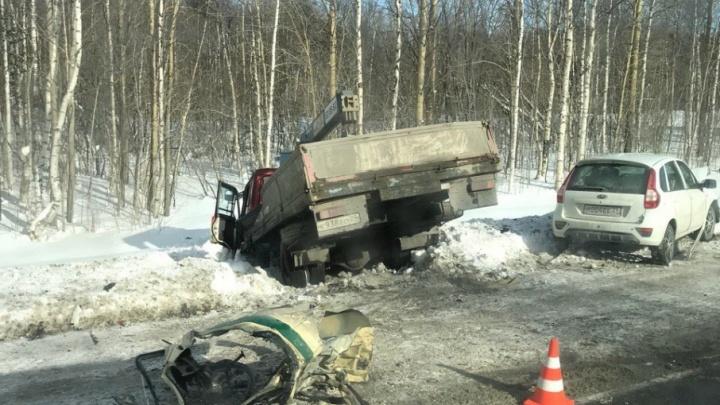 На подъезде к Северодвинску ДТП с шестью машинами — четверо человек пострадали
