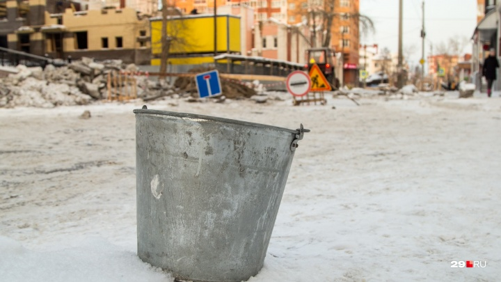 Десятки домов без воды и тепла: где в Архангельске ремонтируют коммунальные сети