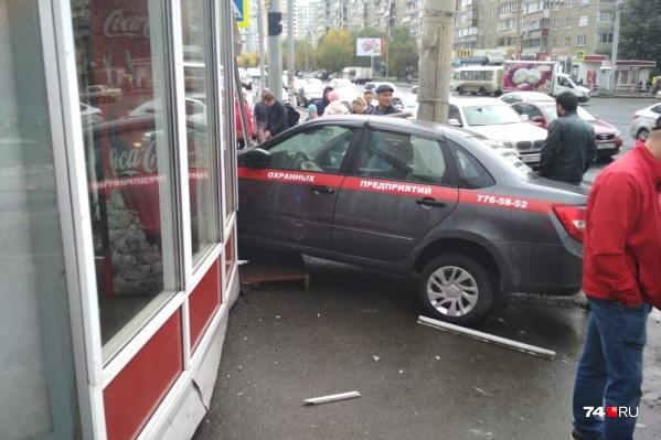 Авария случилась на пересечении улиц Чичерина и 250-летия Челябинска